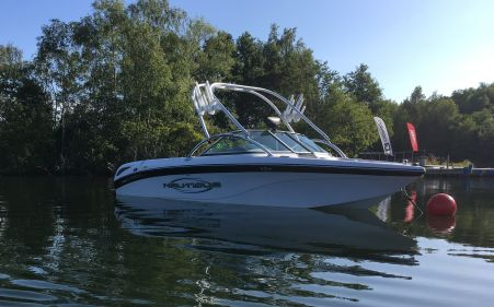 Sv211 Port Bow Wakeboard Boat